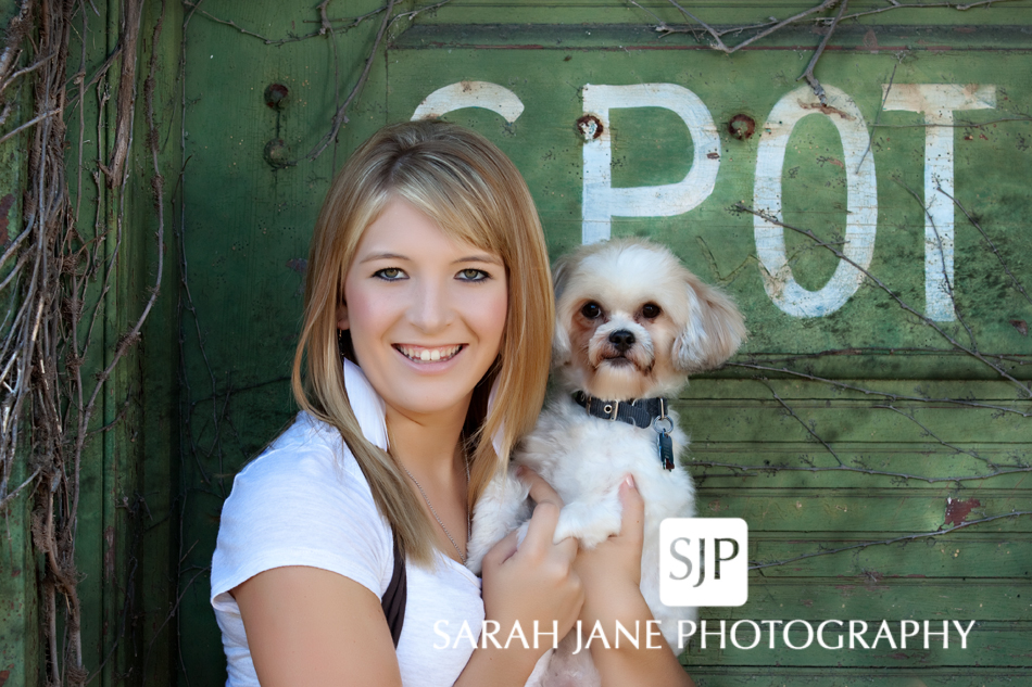 Senior Picture Poses Girls http://sjanephotography.wordpress.com/tag/senior-portrait-poses/