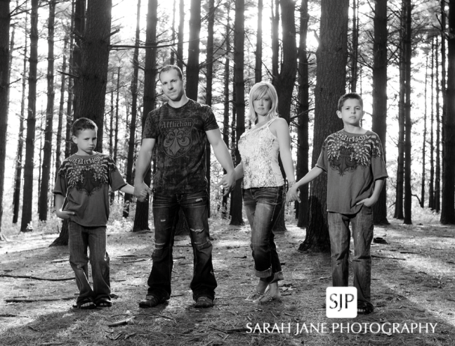 image photo decatur il family photos, sarah jane photography, sjp, sjanephotography, rock springs family portraits, outdoor family photos, family pictures, portrait studio, central illinois, decatur il,